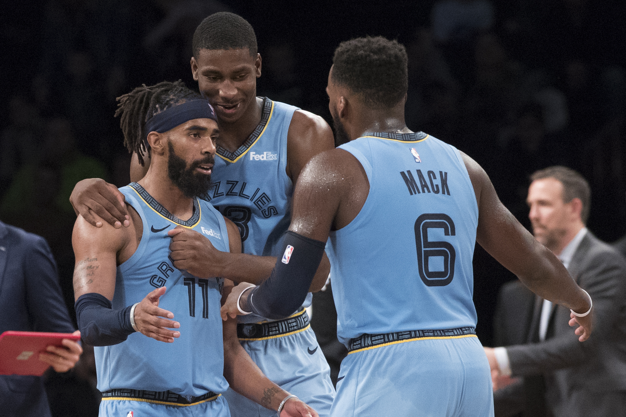 Conley carries Grizzlies past Nets 131-125 in 2OTs