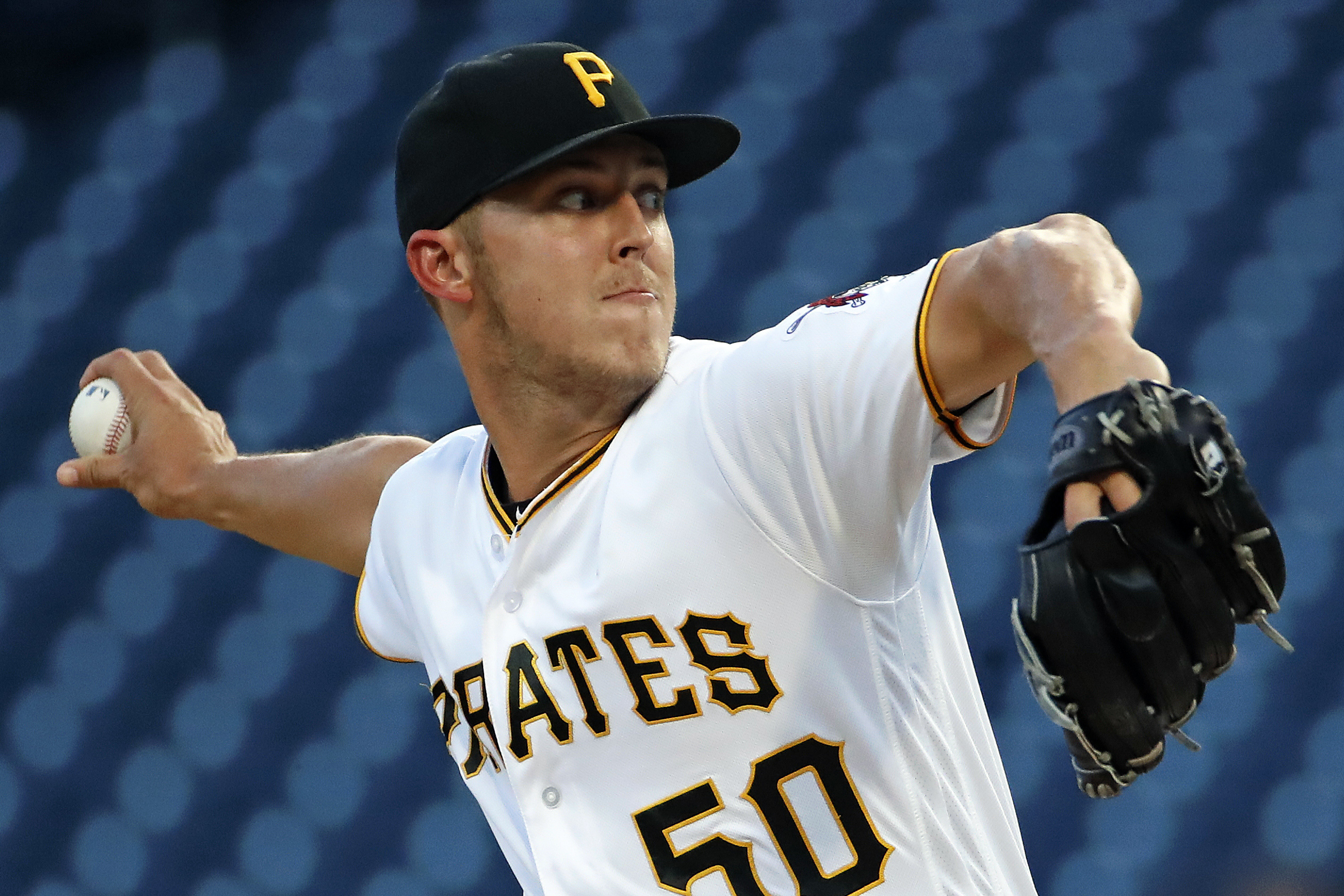 Taillon pitches Pirates past Reds 3-2; Bailey falls to 1-14
