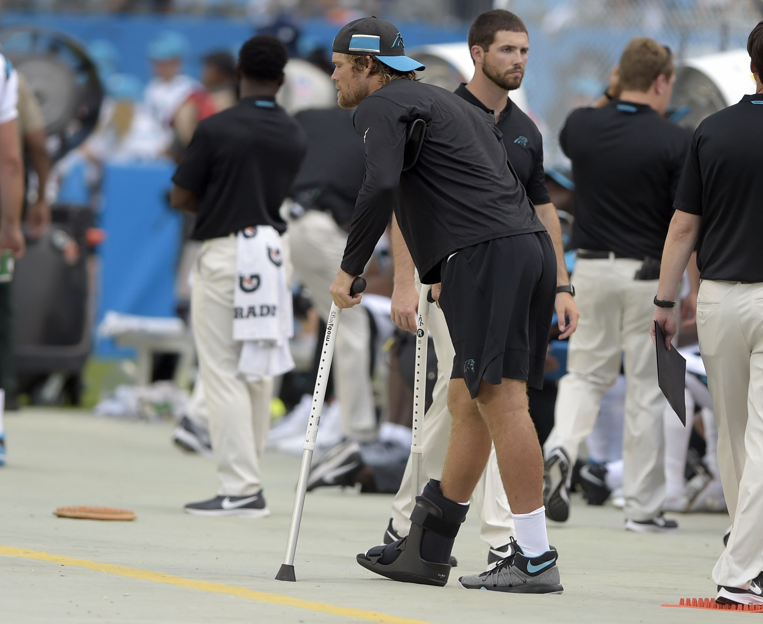 Panthers' Olsen breaks foot; Williams will need surgery