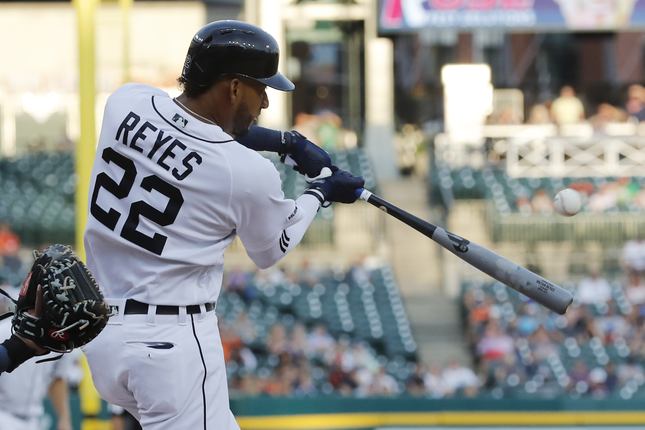 Rogers' arm and Reyes' bat help Tigers beat Mariners 3-2