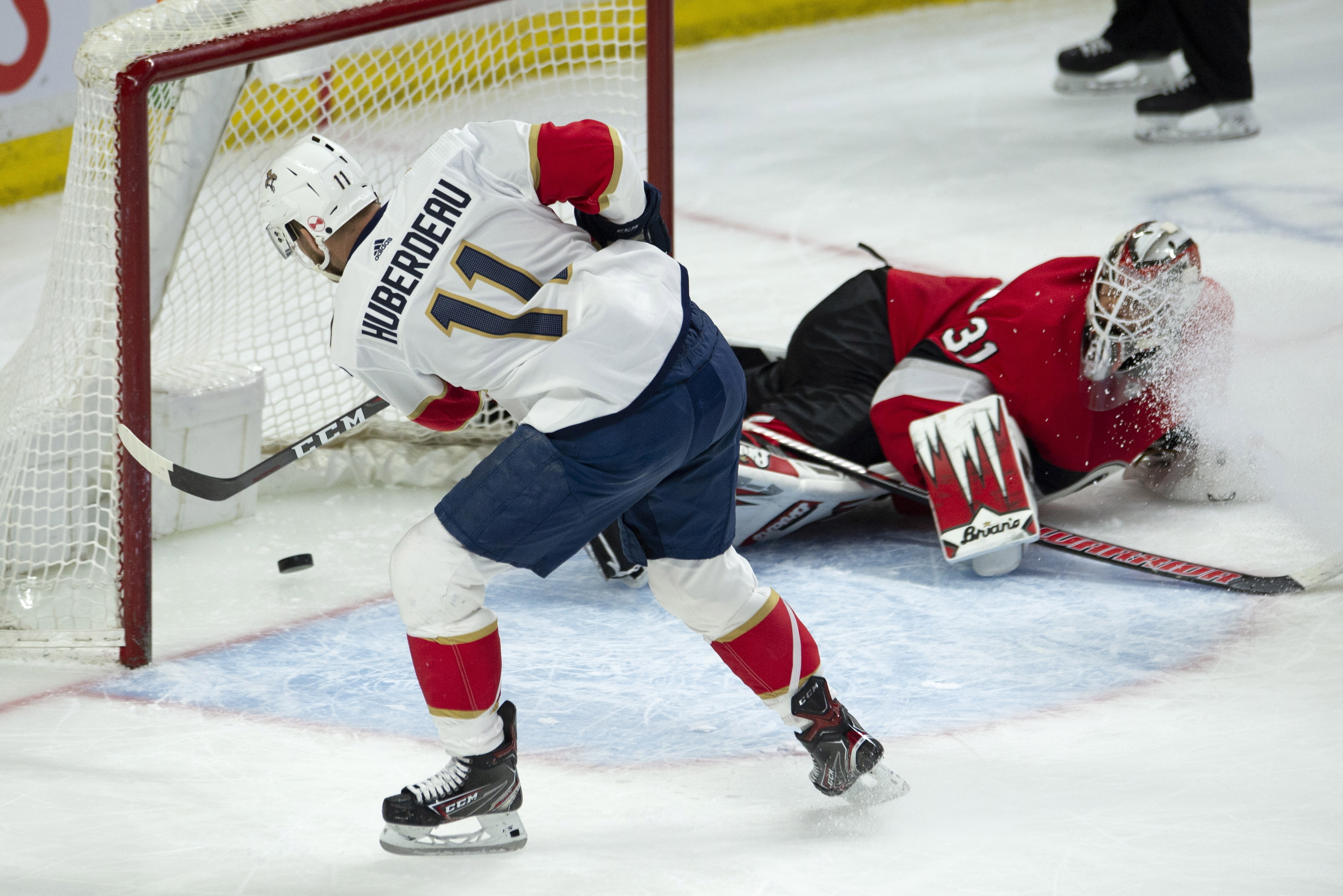 Huberdeau scores twice, Panthers beat Senators 5-2