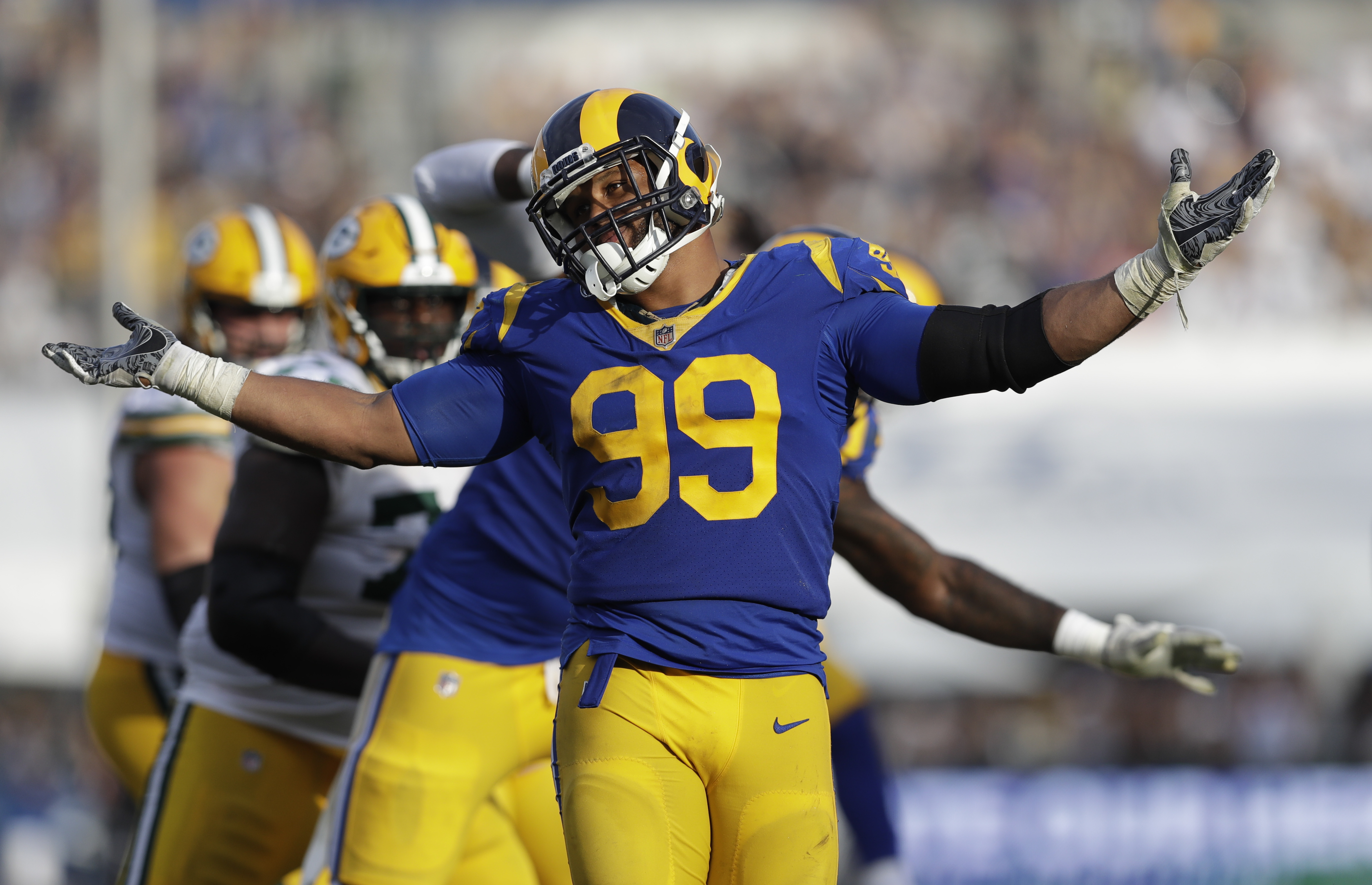 Undefeated Rams make splash at deadline trading for Fowler