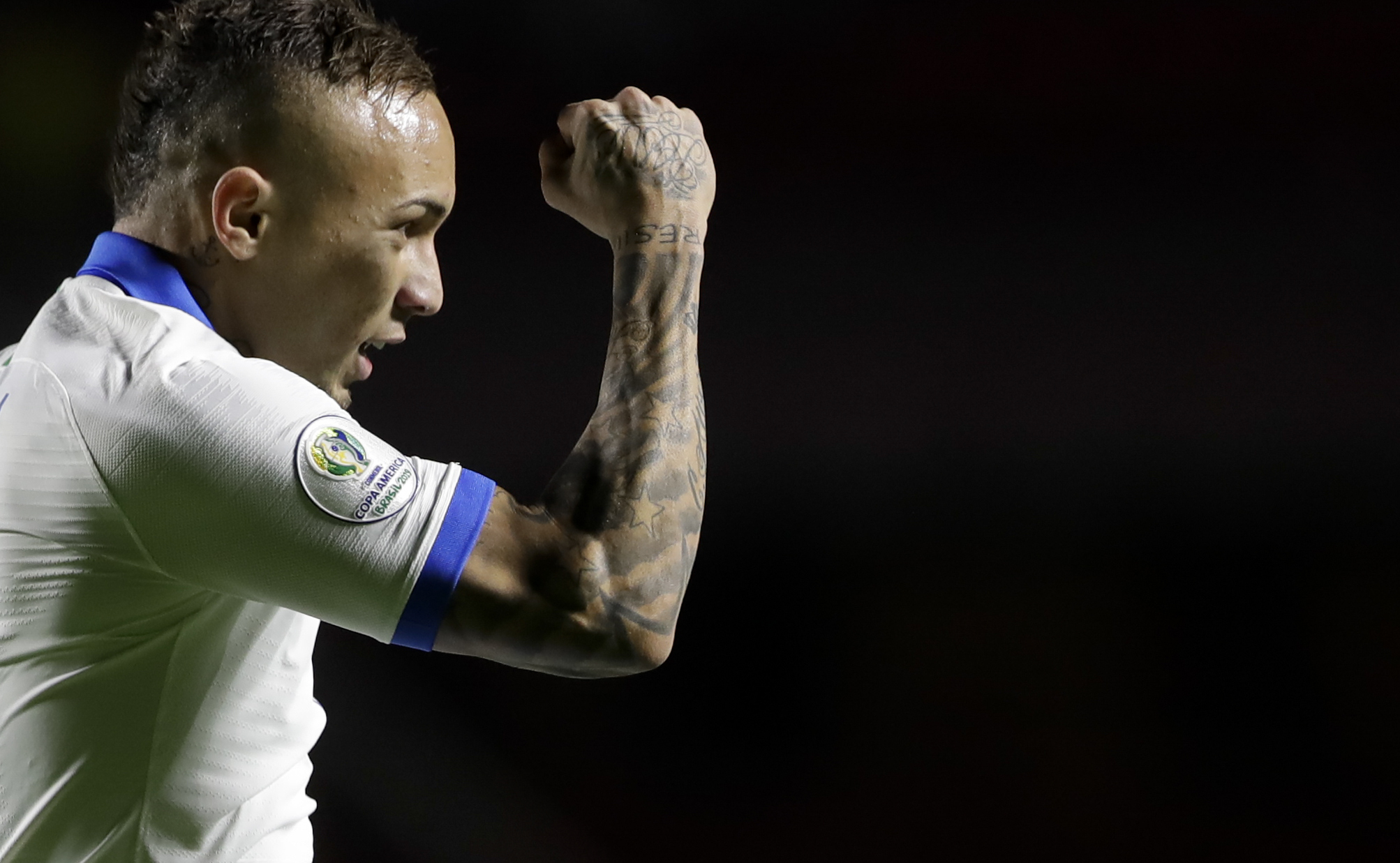 Everton and Neres in contention for Neymar's spot in Brazil