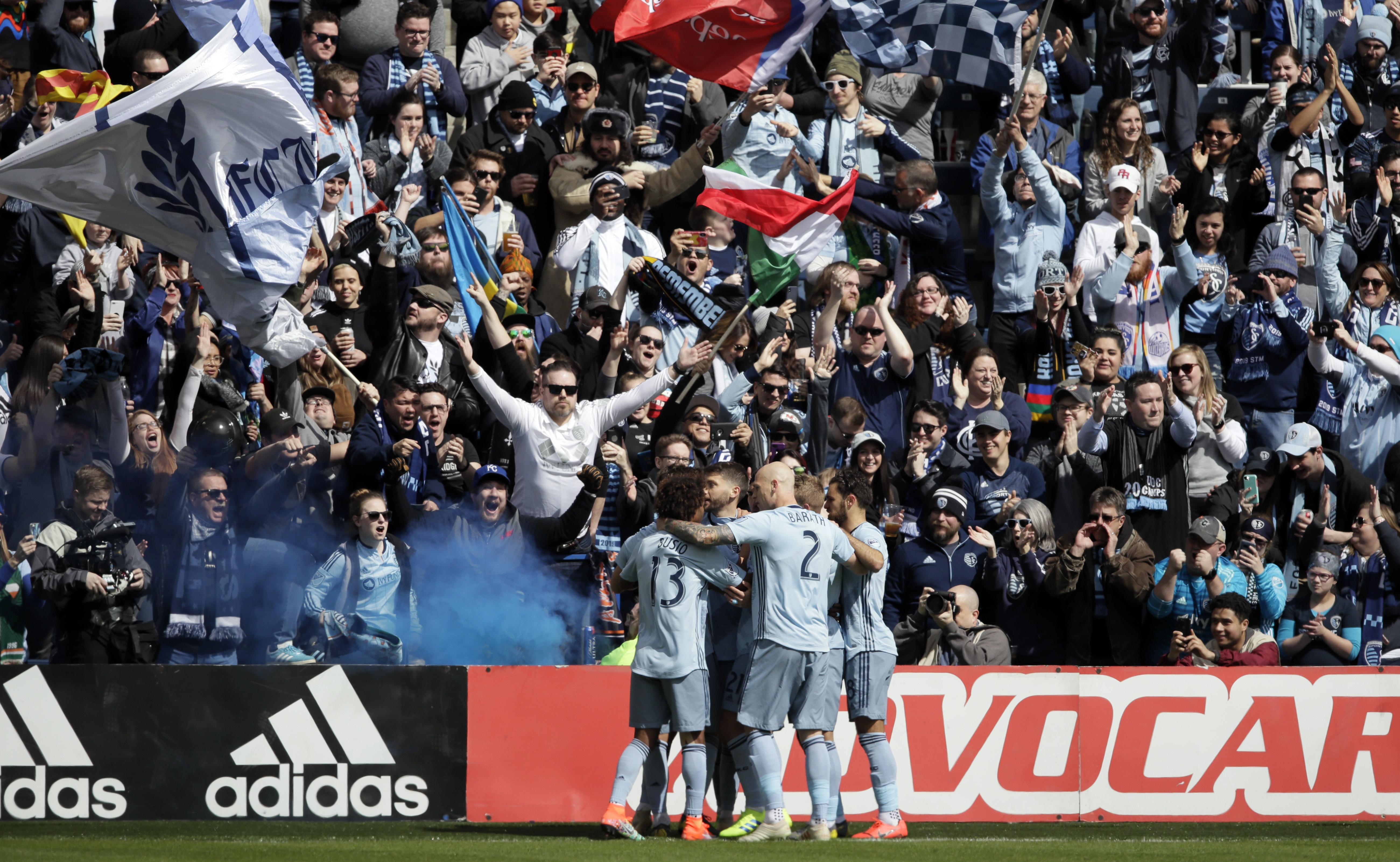 Ilie Sanchez, Tim Melia lead Sporting KC past Union, 2-0