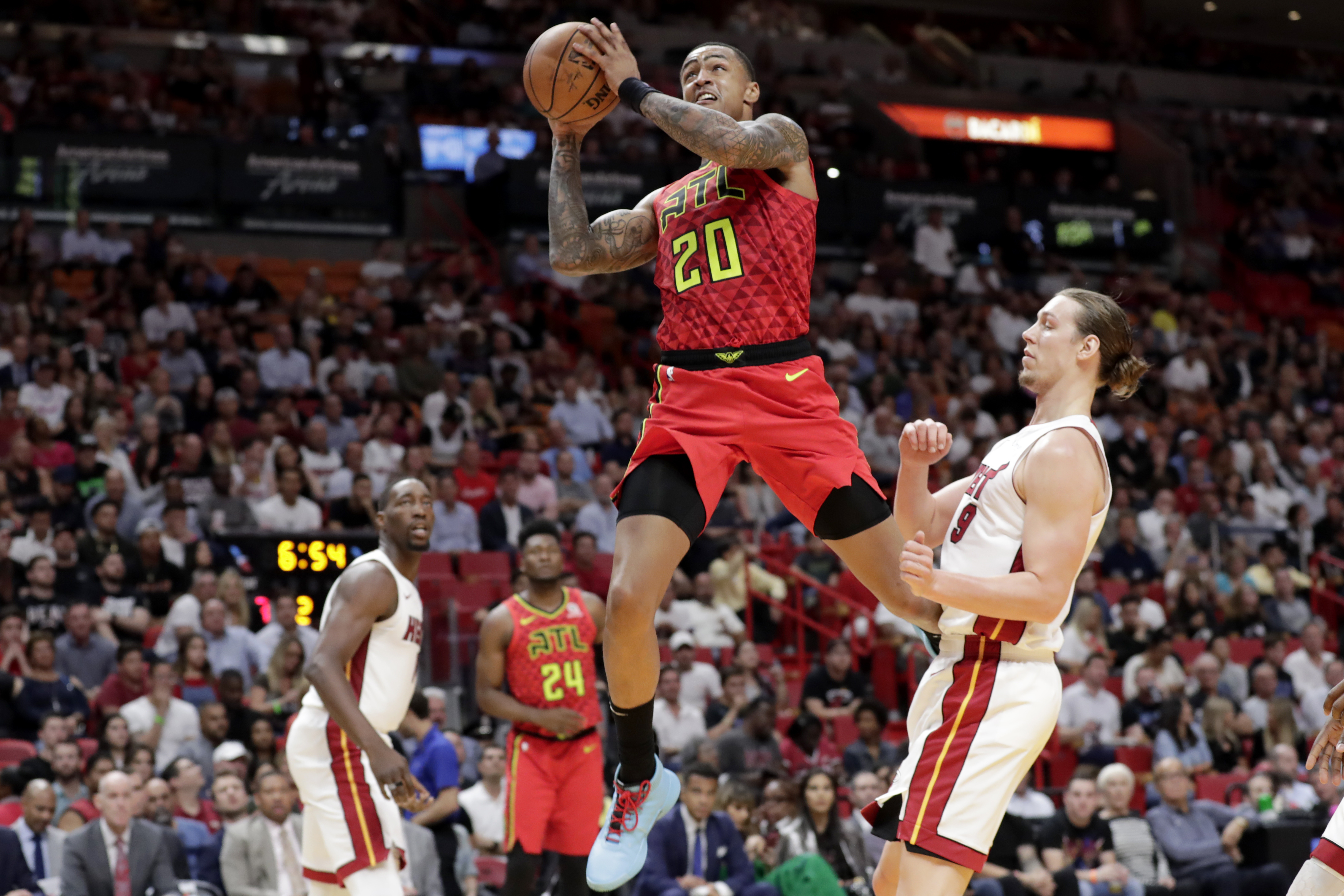 Hawks' Collins suspended 25 games without pay for PEDs