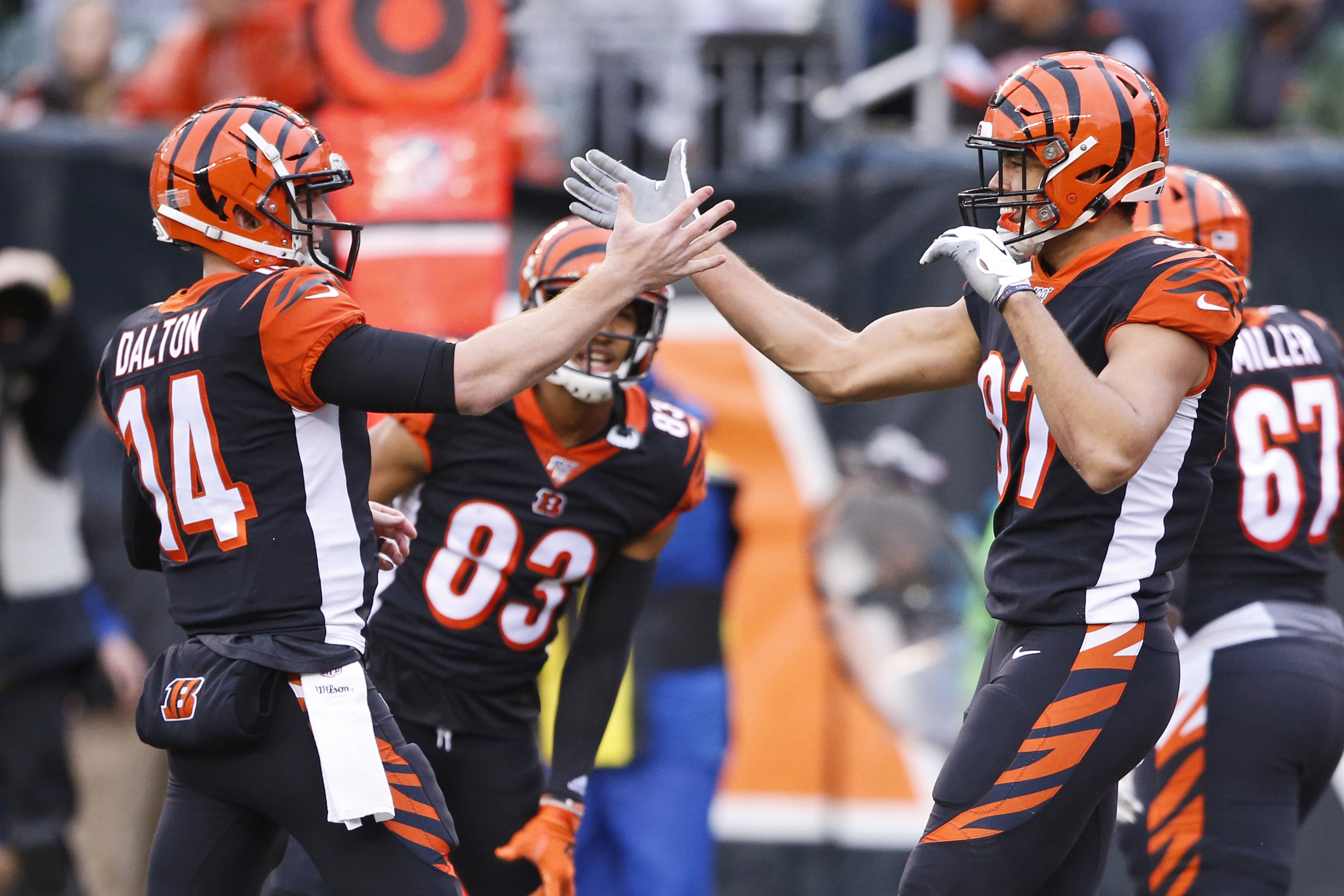 Dalton leads Bengals over Browns 33-23, Kitchens later fired