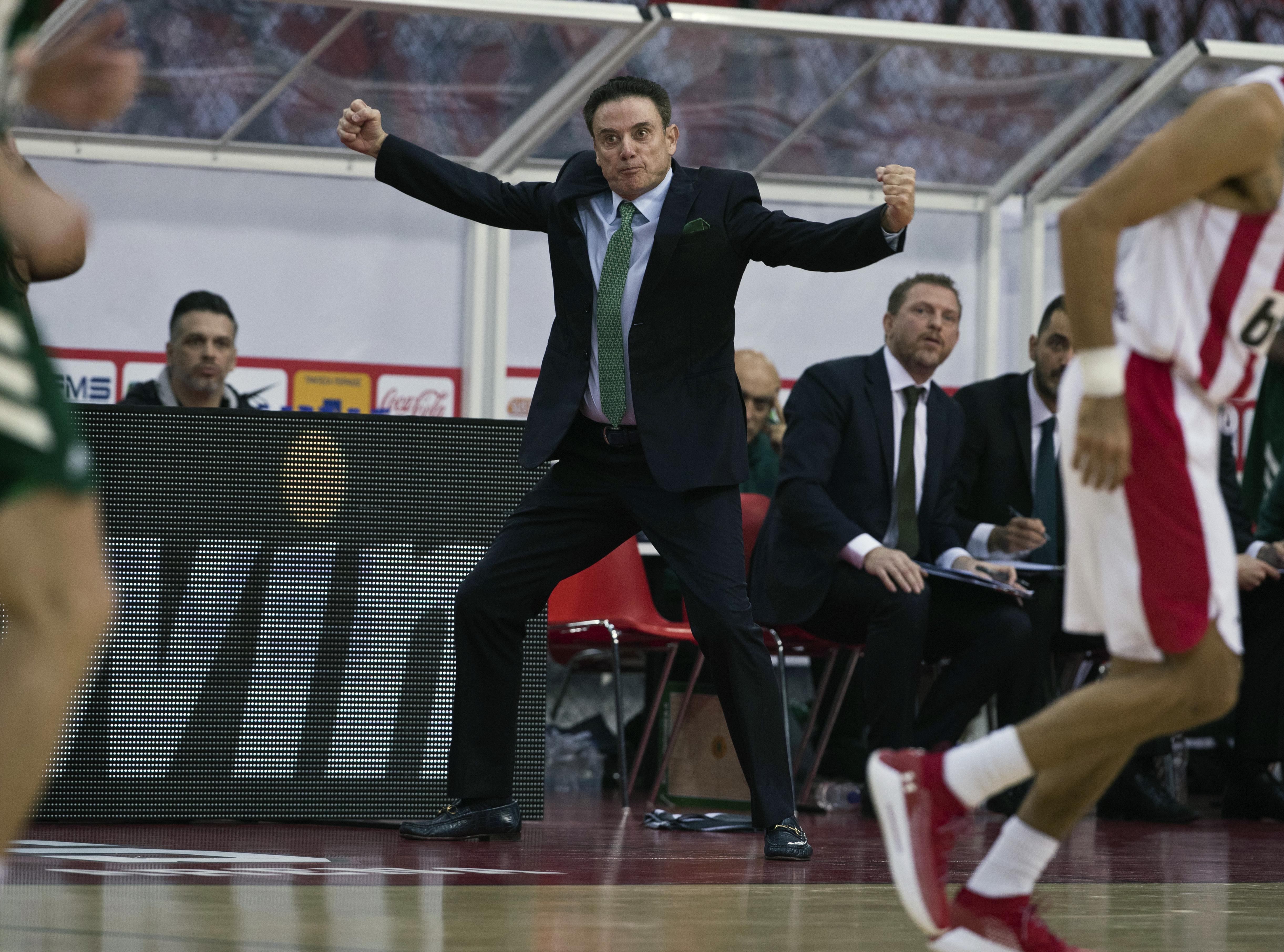 Pitino's Greek team reaches final after walkout on refs