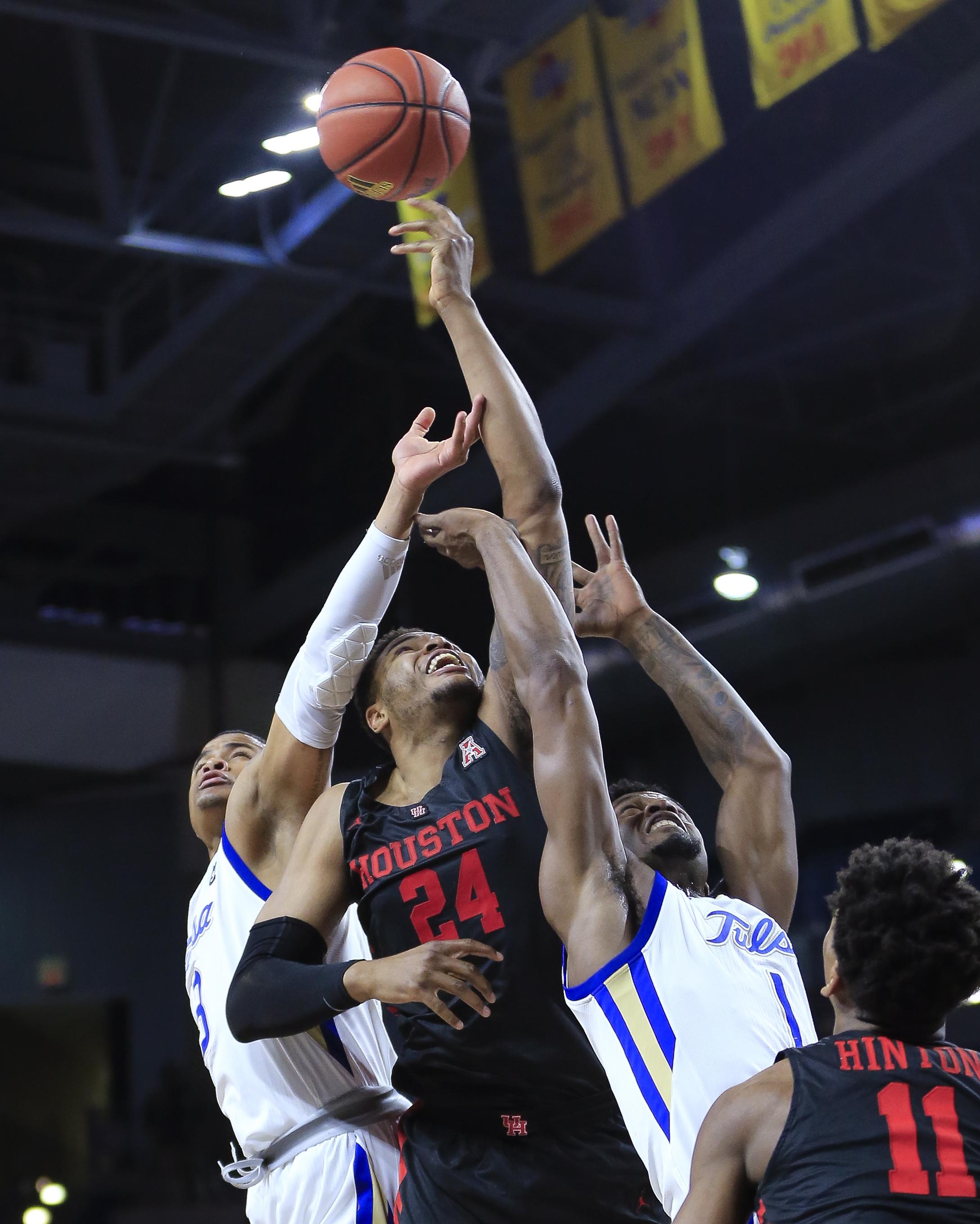 Brooks, No. 17 Houston beat Tulsa 77-65 for 20th win