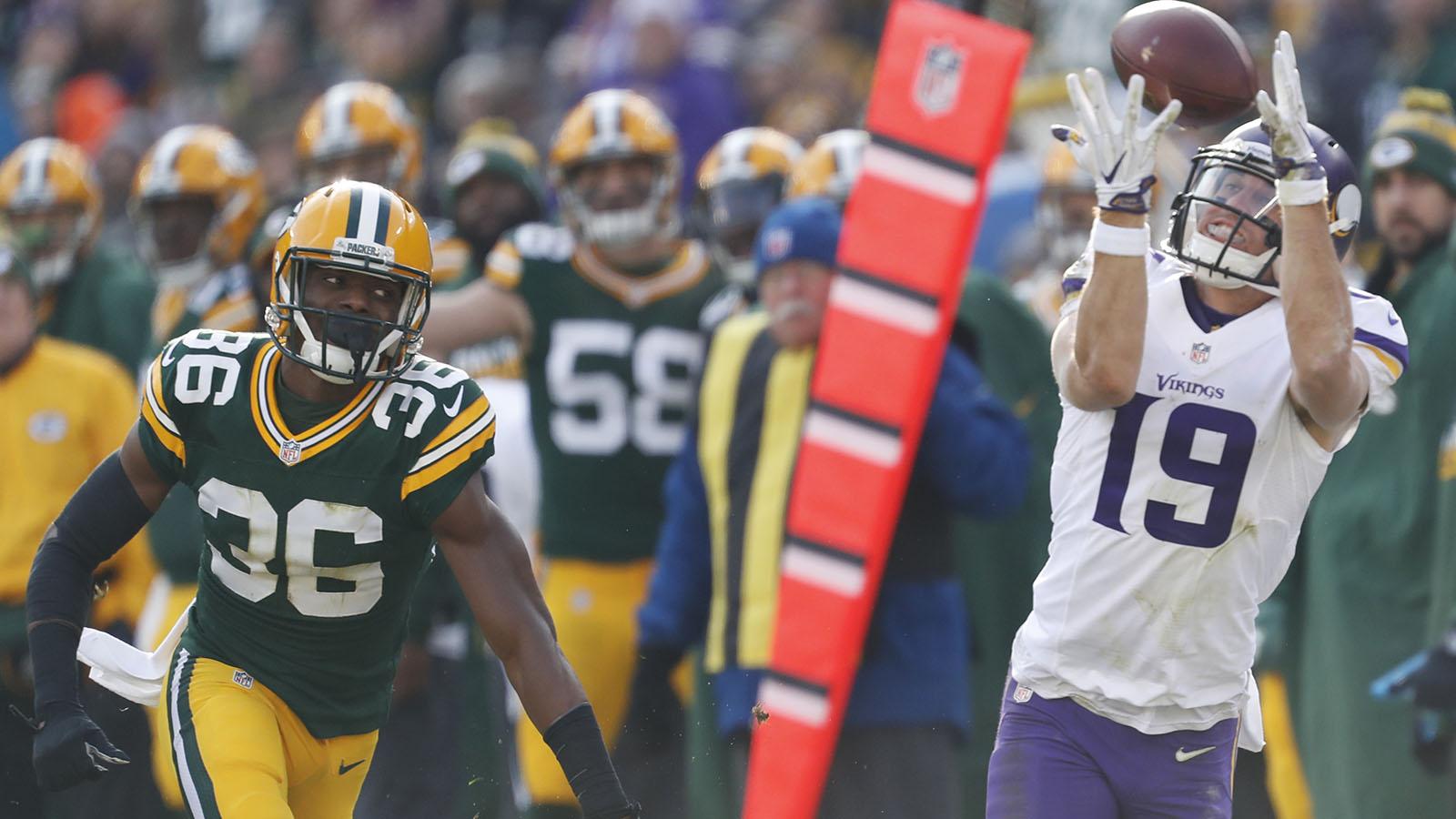 Photos: Minnesota Vikings at Green Bay Packers