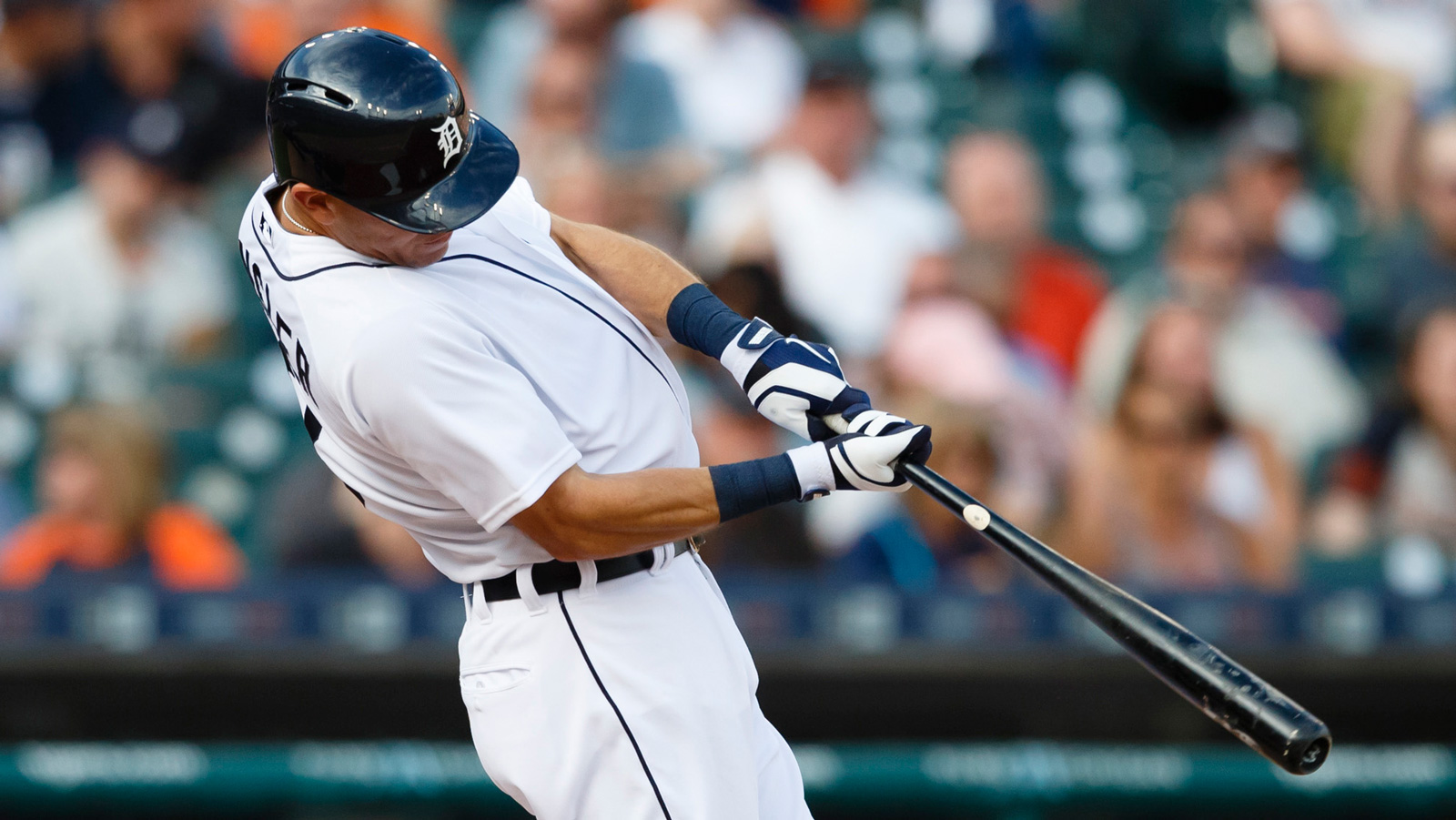 Kinsler, Tigers try to keep momentum going