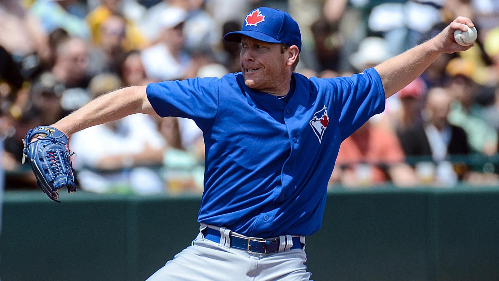 Tigers get Randy Wolf, put pitchers Norris, Sanchez on DL