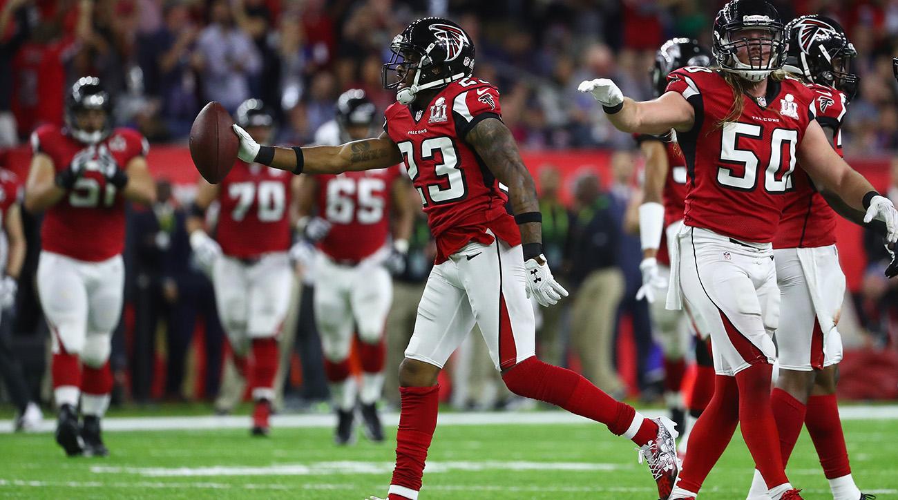 Watch: Falcons' Robert Alford intercepts Tom Brady for 82-yard pick-six