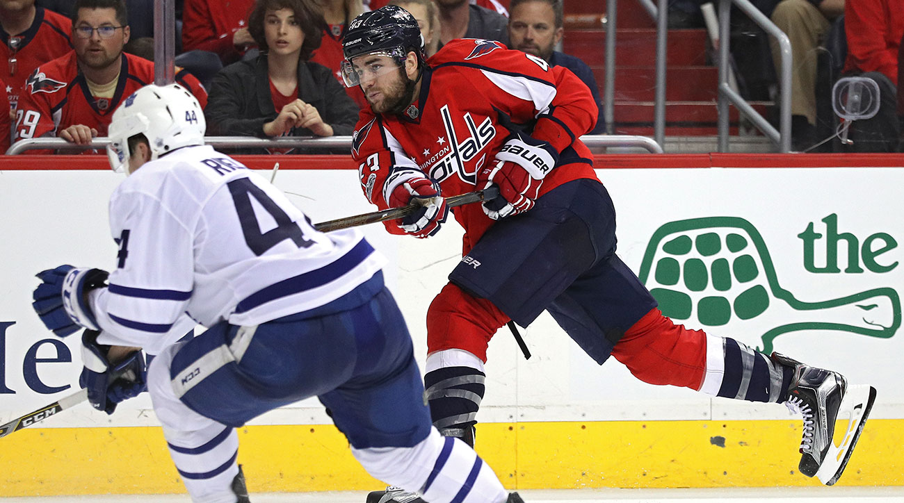 Roundup: Wilson plays overtime hero as Capitals top Maple Leafs in opener