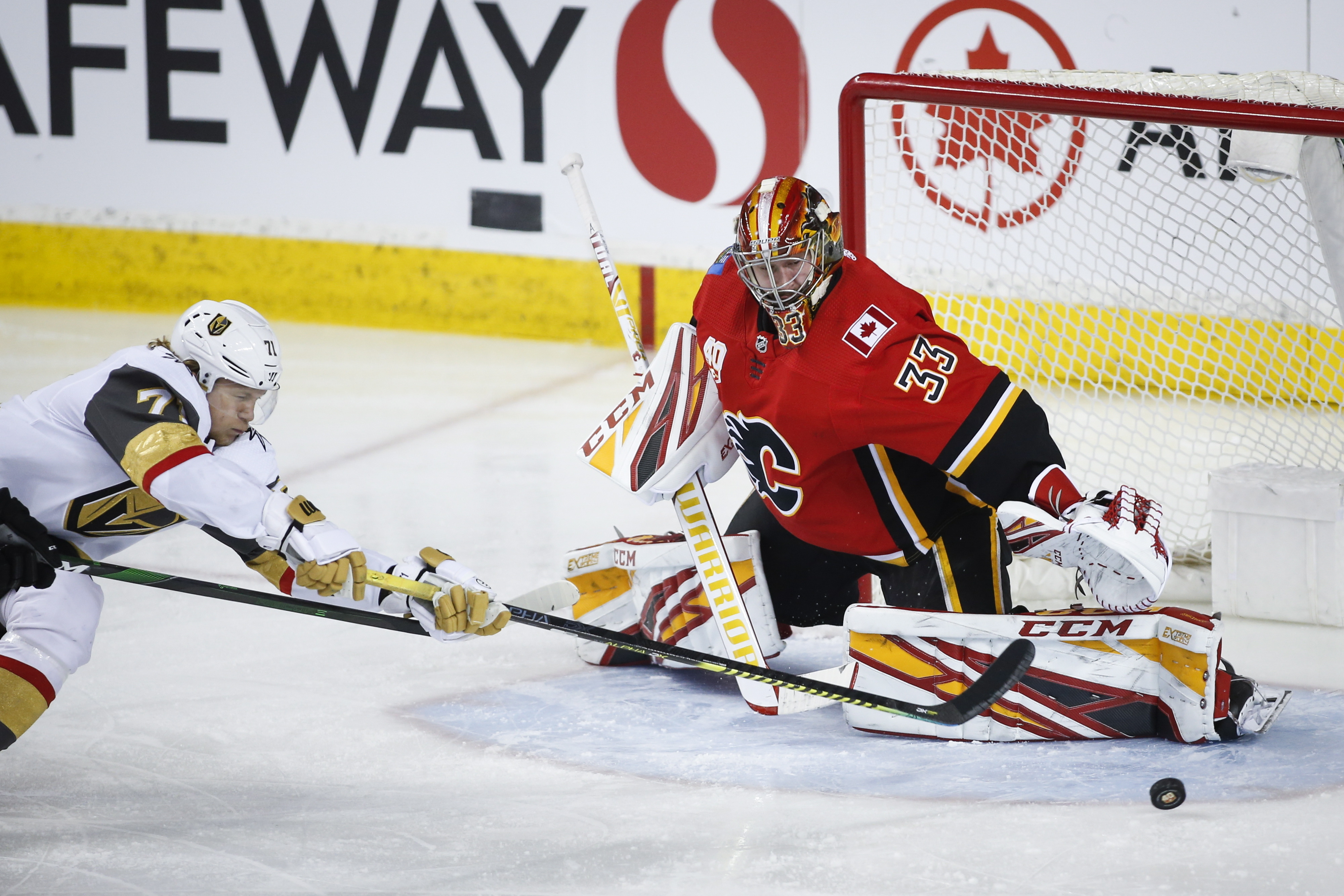 Theodore scores late, Golden Knights beat Flames 5-3