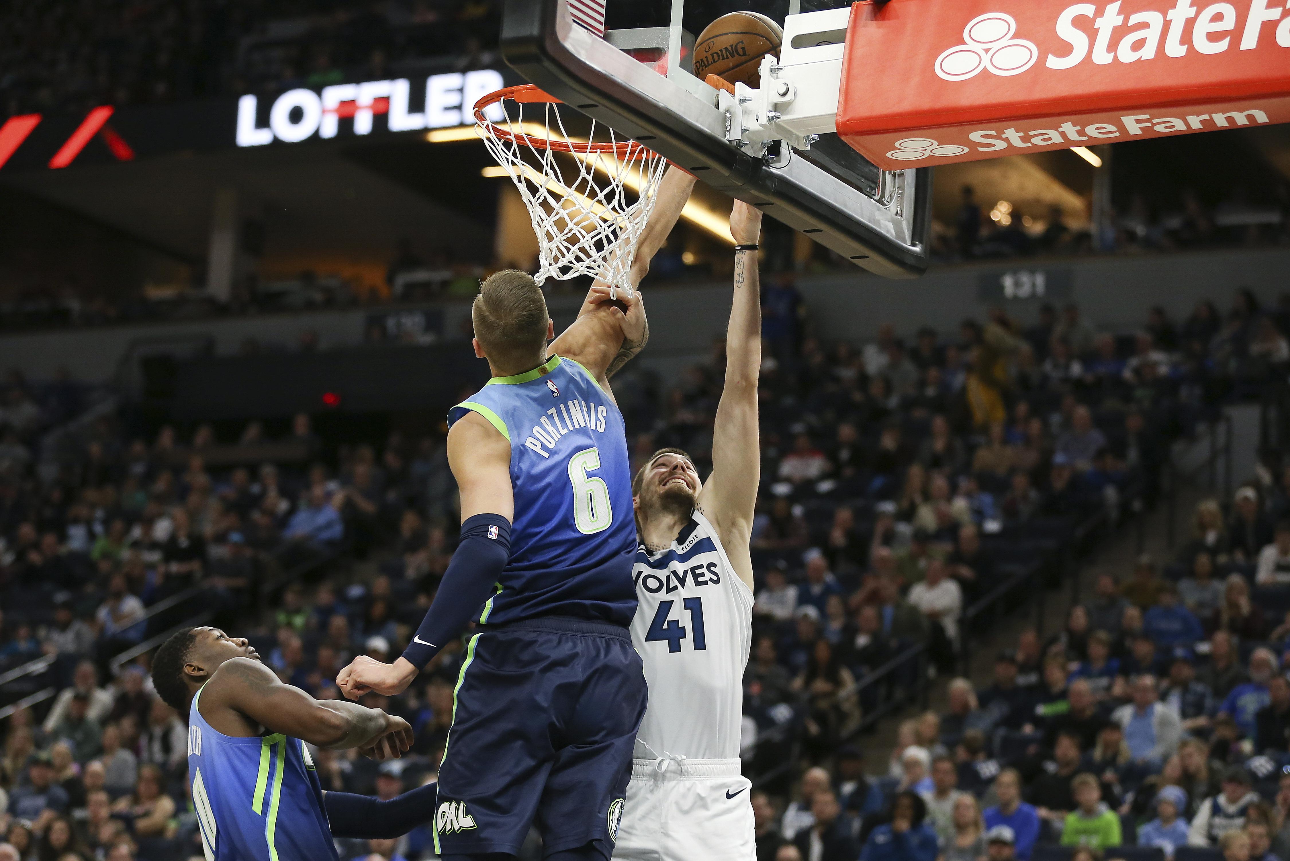 Porzingis scores 38; Mavs beat Wolves 111-91 without Doncic