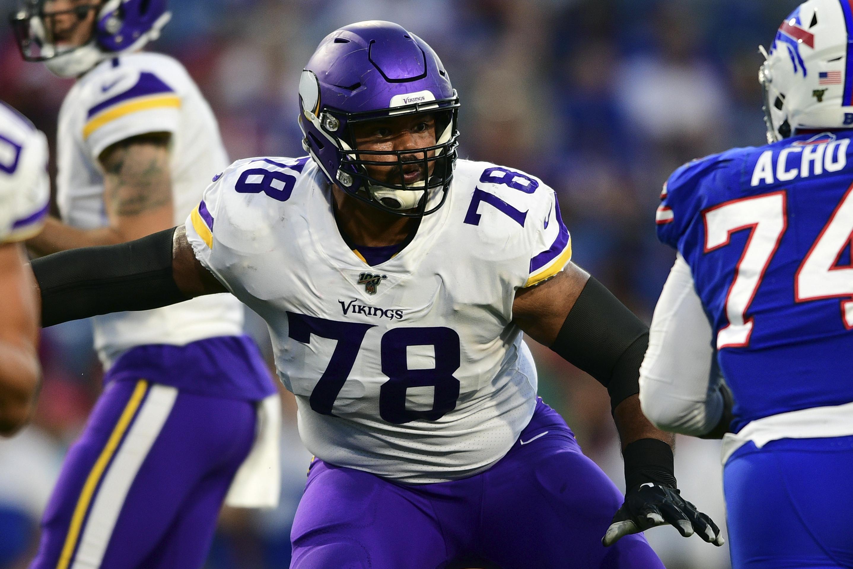 Minnesota Vikings re-sign veteran guard Dakota Dozier