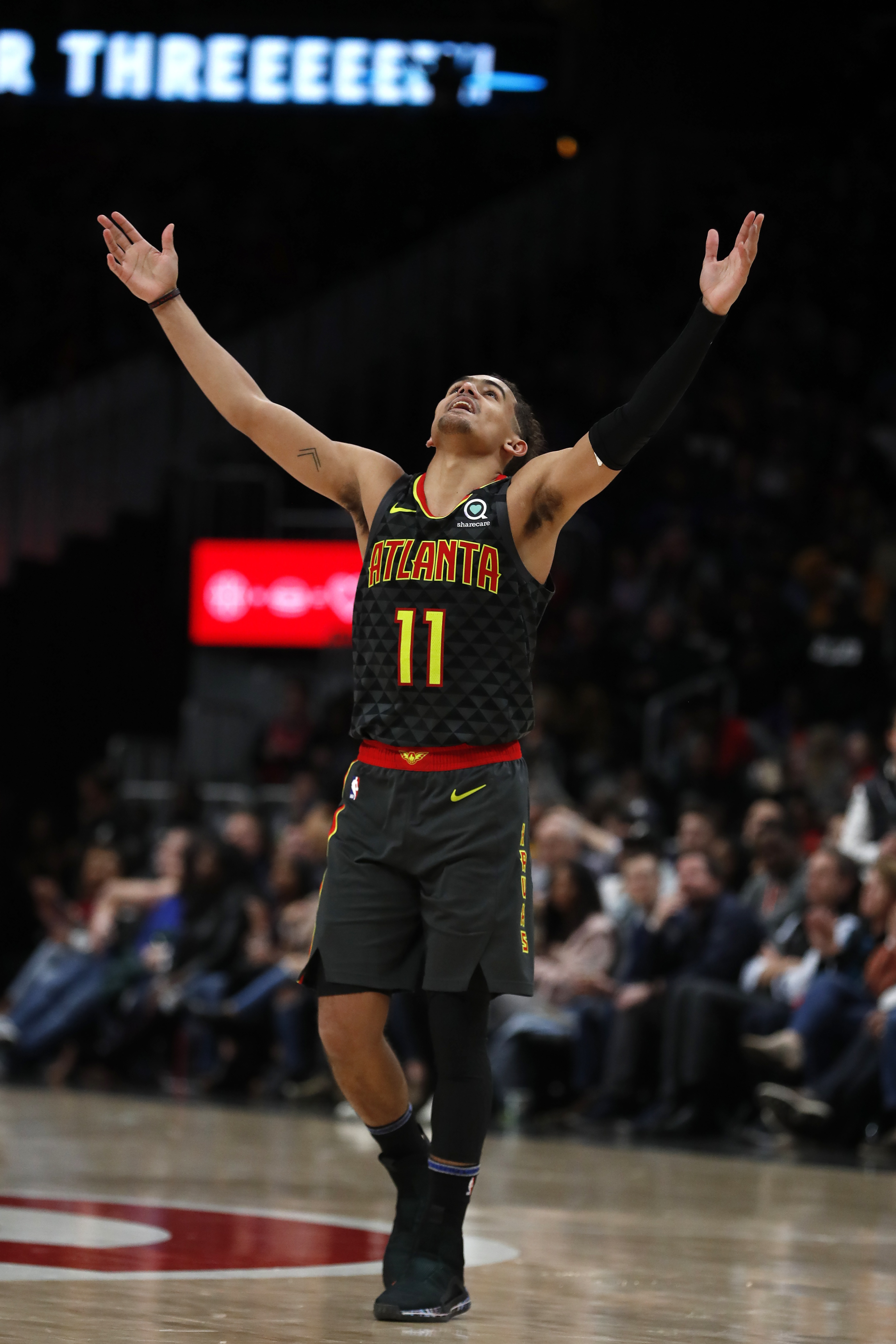 Young has 39 points, 18 assists as Hawks upend 76ers