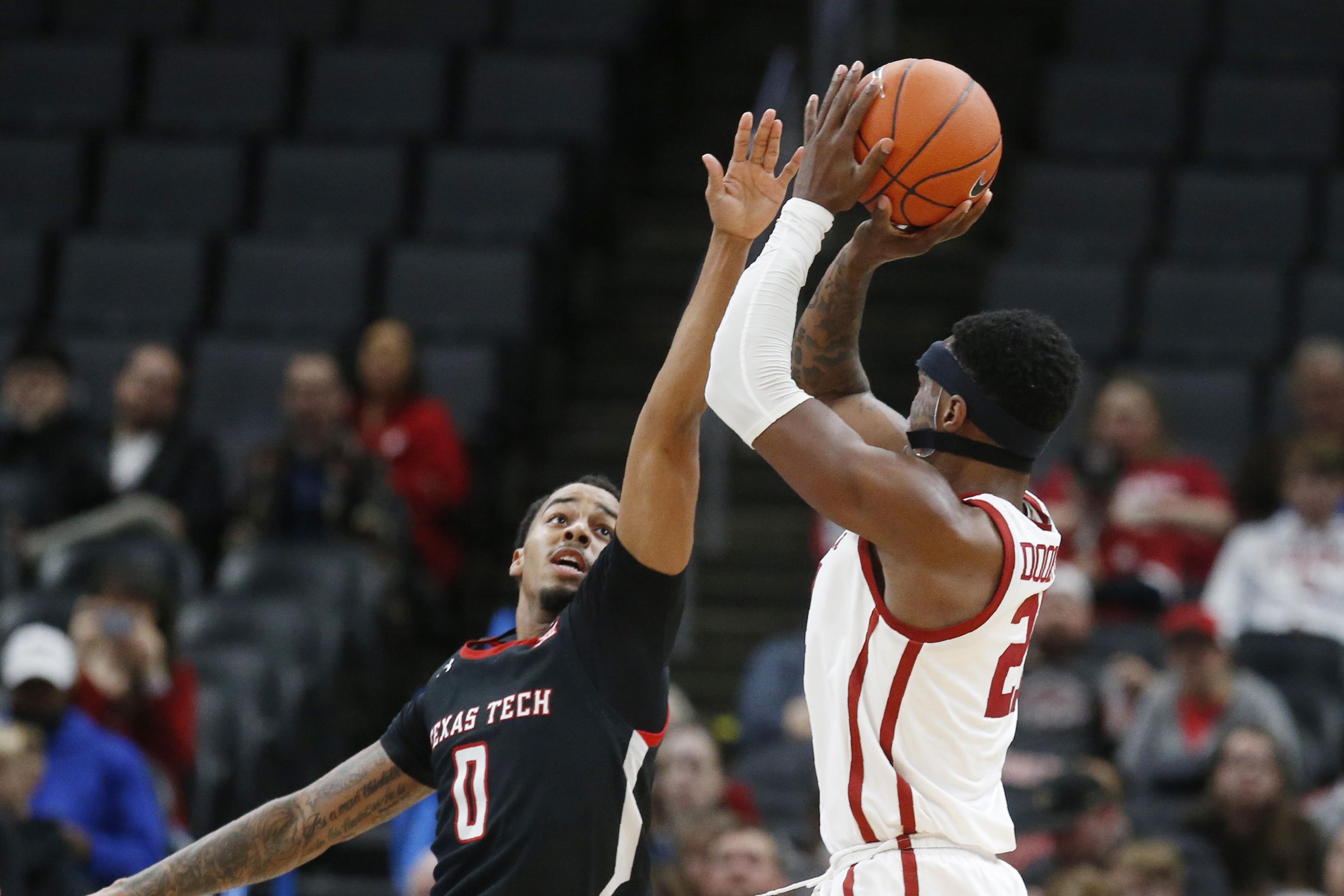 Doolittle's 19 points lead Oklahoma past No. 22 Texas Tech