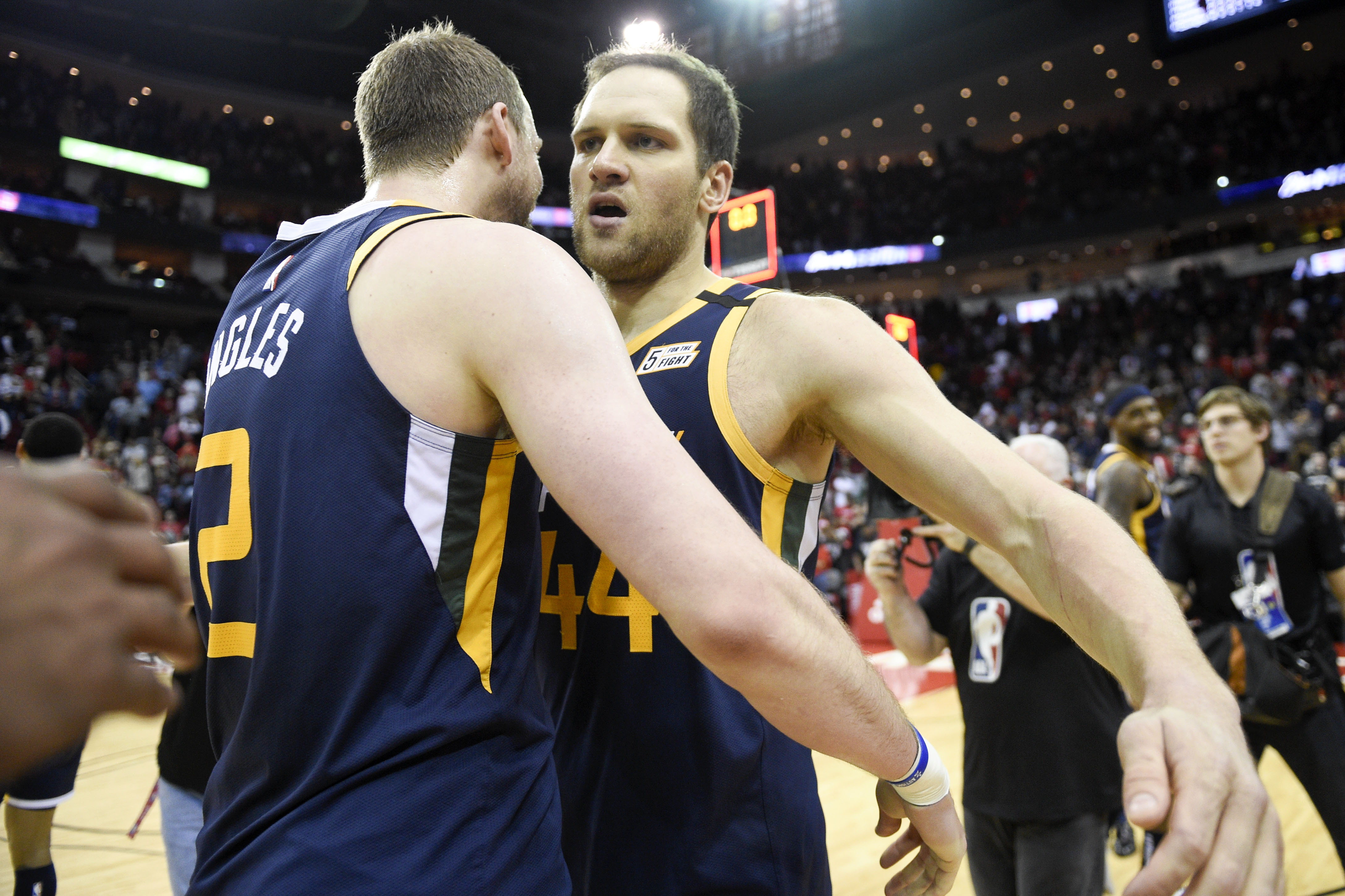 Bogdanovic's 3 at buzzer gives Jazz 114-113 win over Rockets