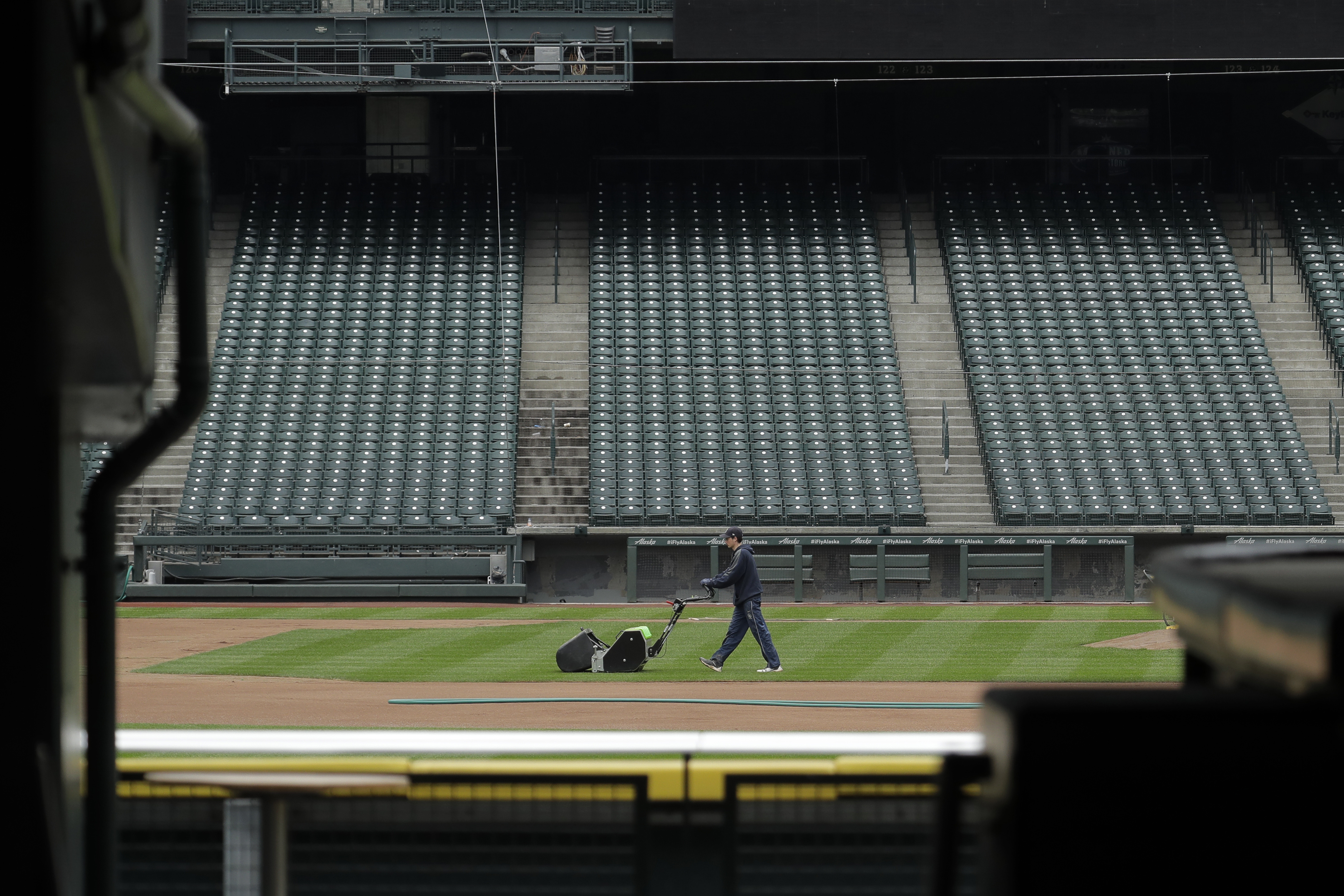 As MLB ponders post-virus season, players worry about health