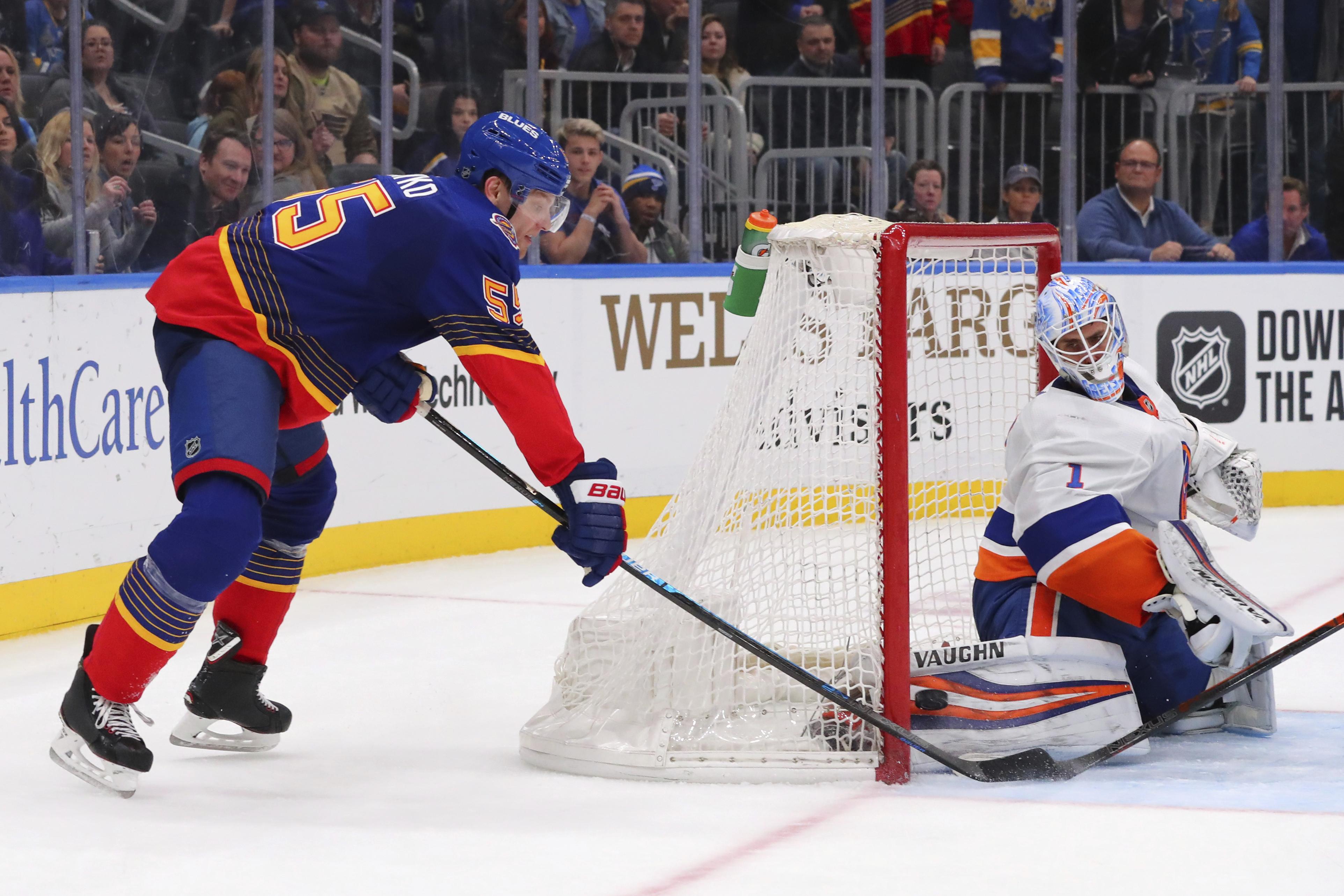 Parayko lifts Blues to 3-2 win over Islanders in OT