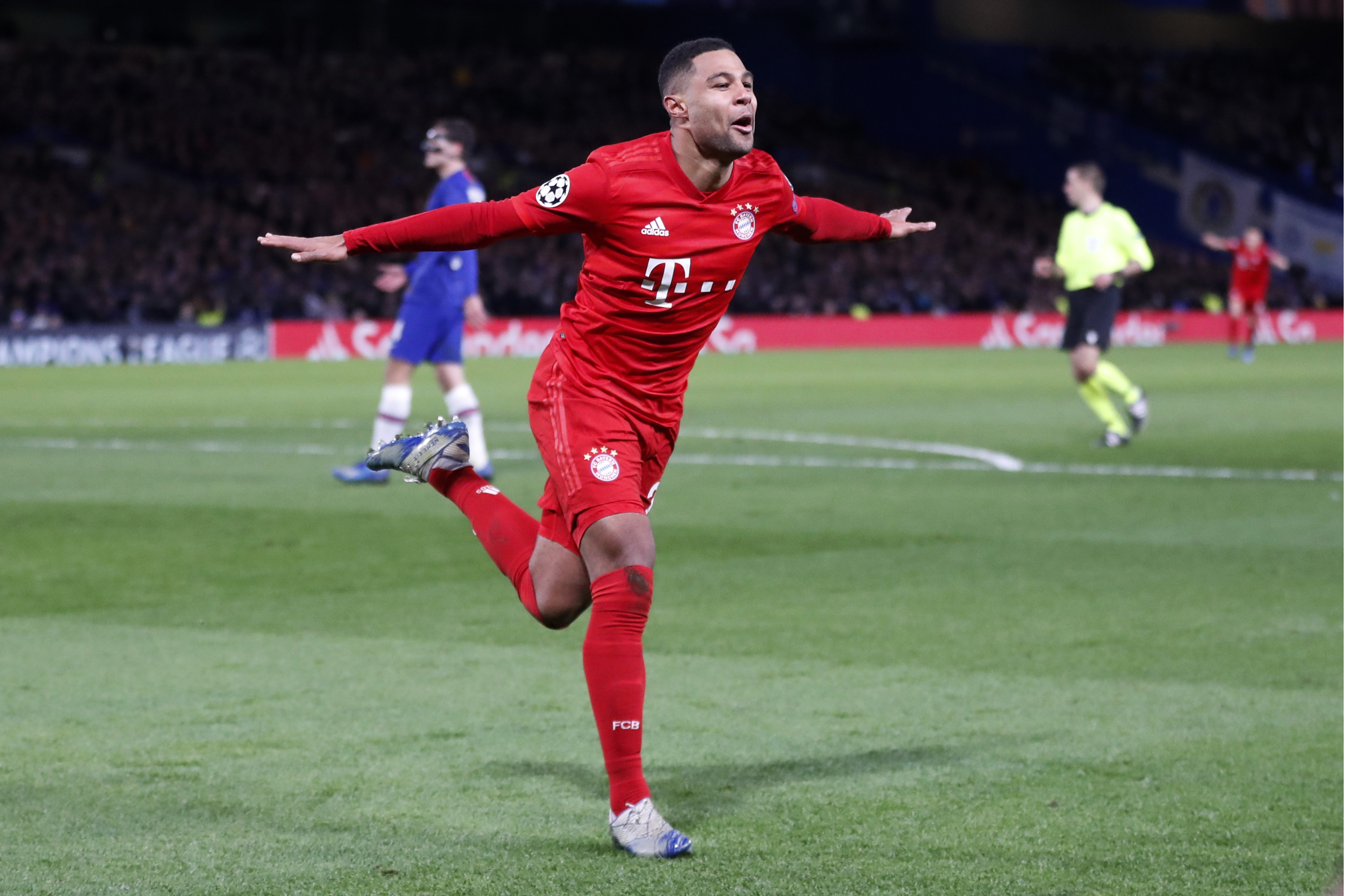Gnabry, Lewandowski combine in Bayern's 3-0 win at Chelsea