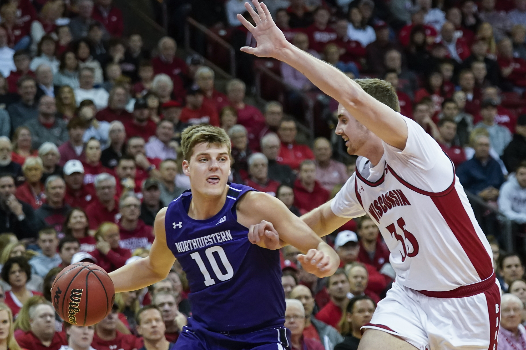 No. 24 Wisconsin beats Northwestern 63-48, moves into 1st