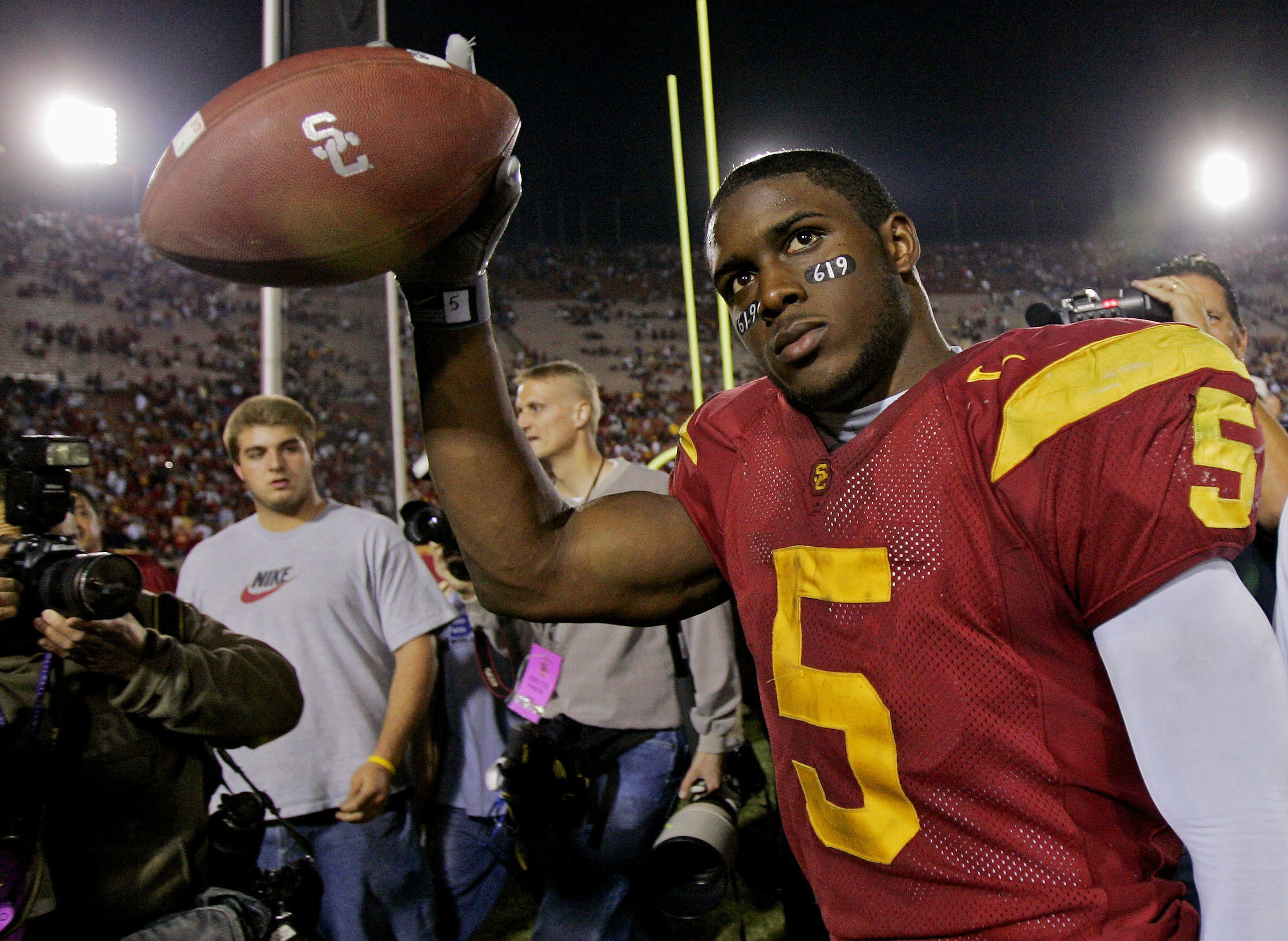USC welcomes back Reggie Bush after 10 years in NCAA exile