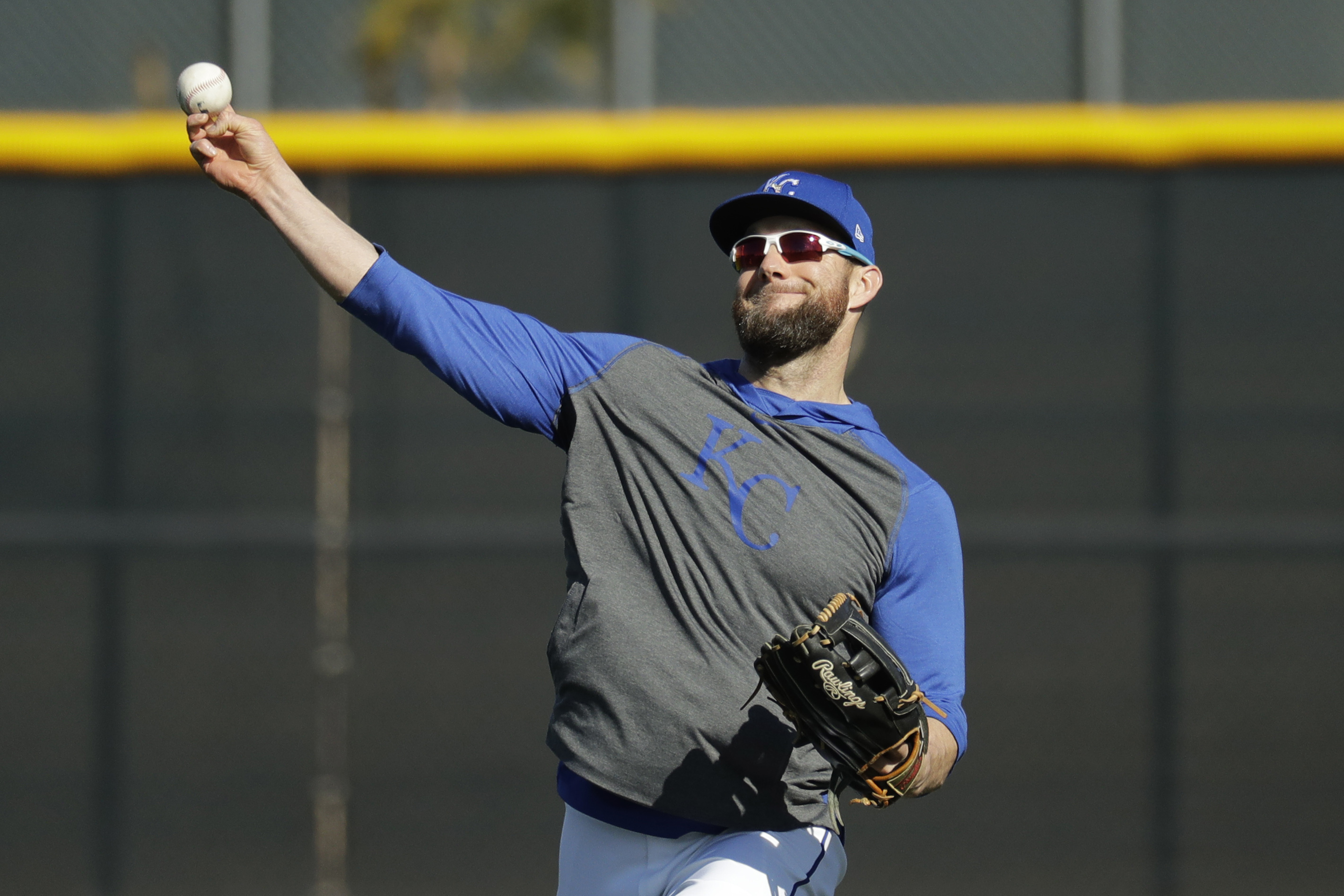Gordon remains amid Royals rebuild, eager to finish in KC