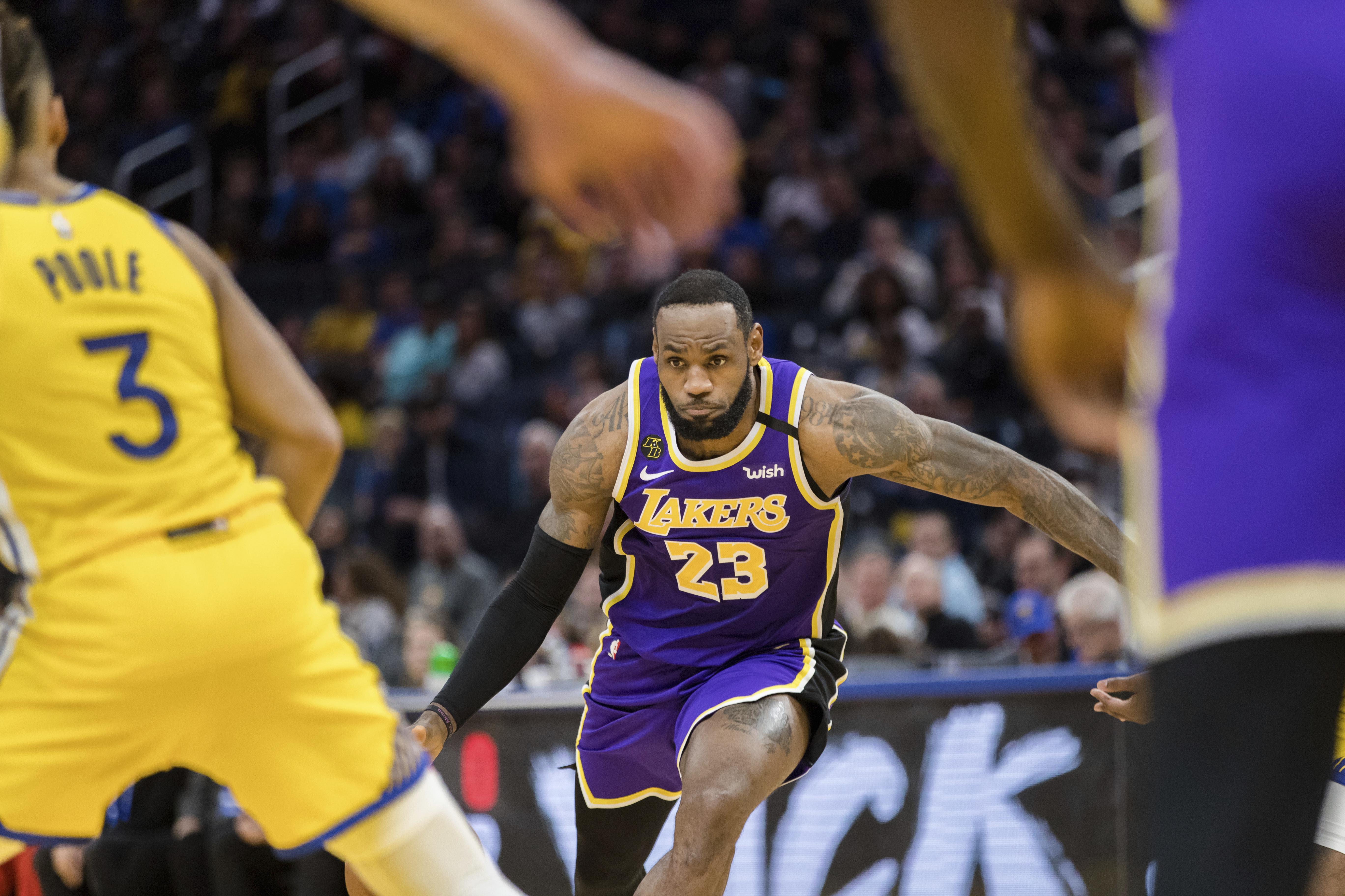 LeBron James scores 22 points, Lakers beat Warriors 125-120