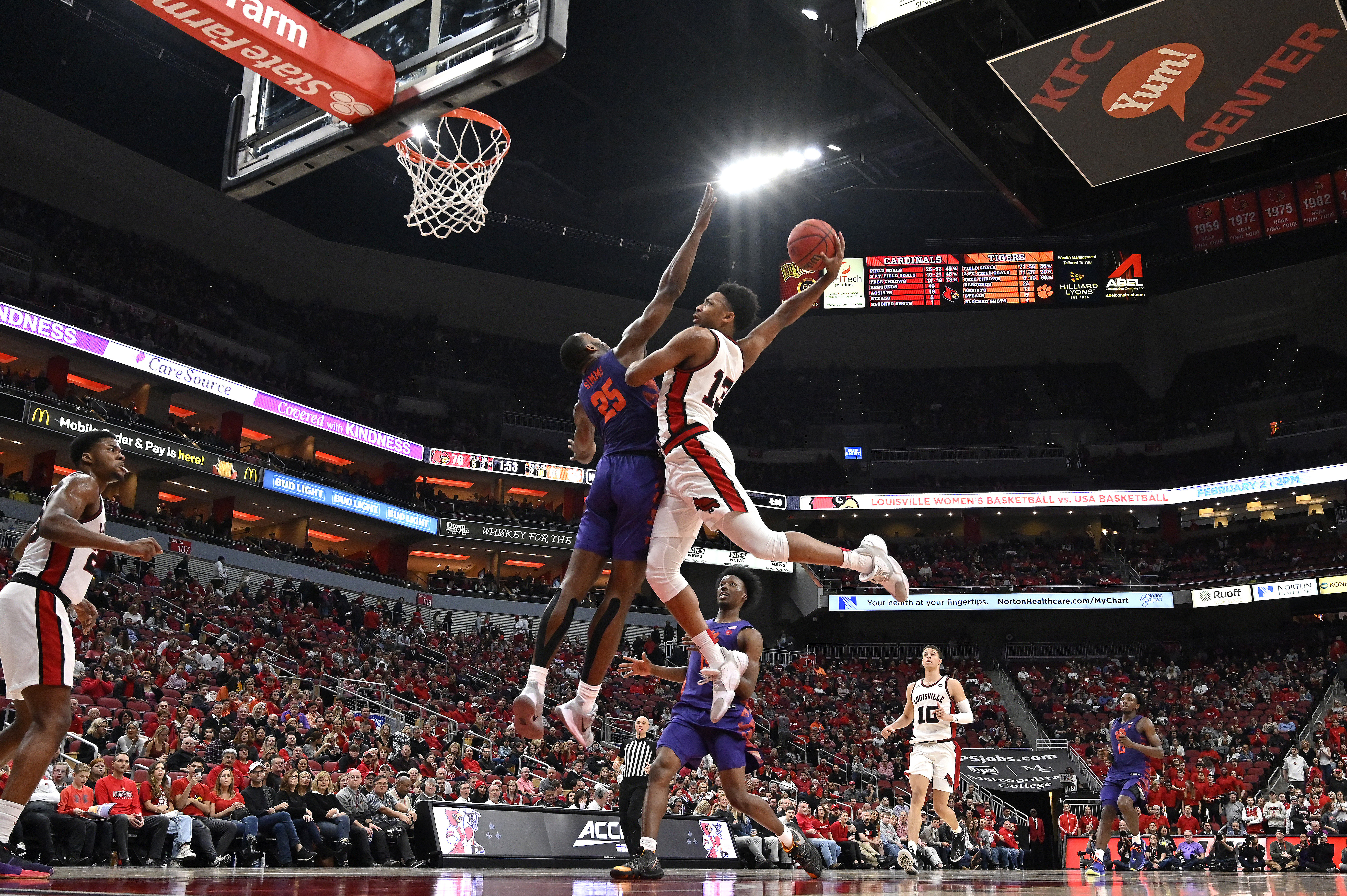 No. 6 Louisville rolls Clemson 80-62 for 6th straight win