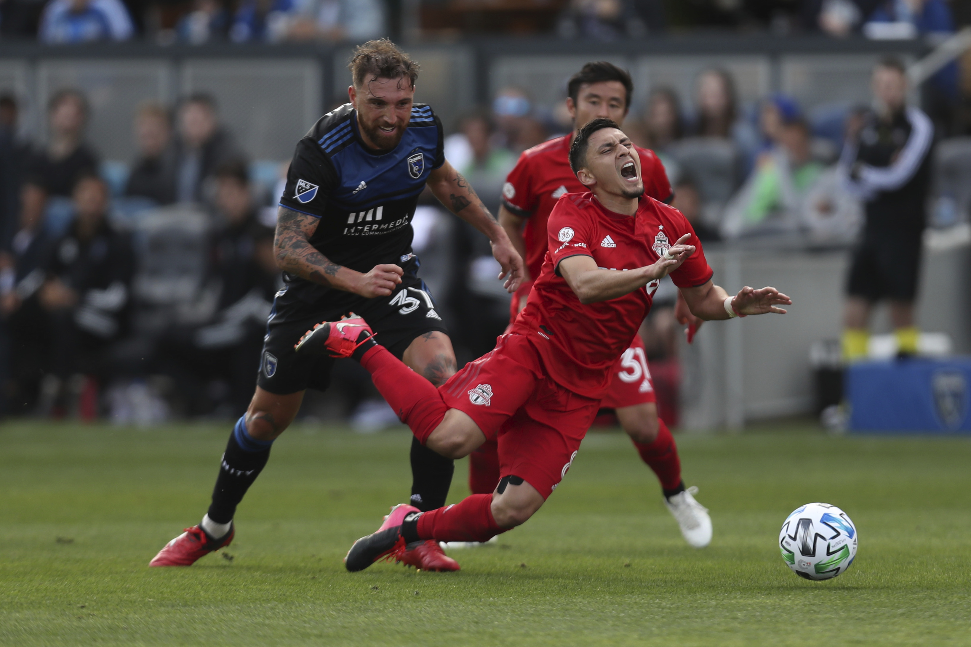 Alanis' stoppage-time goal helps Earthquakes tie Toronto 2-2