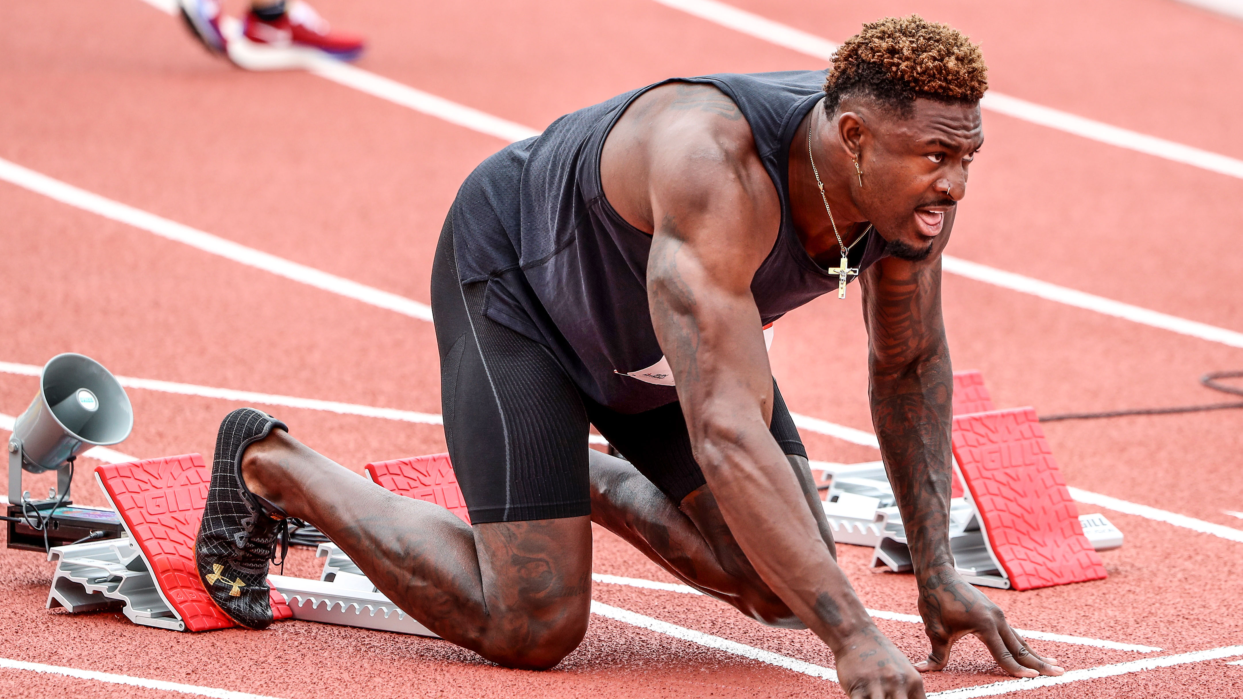 Seahawks' DK Metcalf runs 100 meters in 10.37 seconds vs. elite sprinters