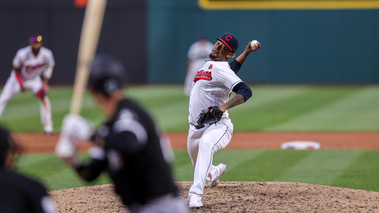 MLB Super 6: White Sox take on Indians in battle for the AL Central