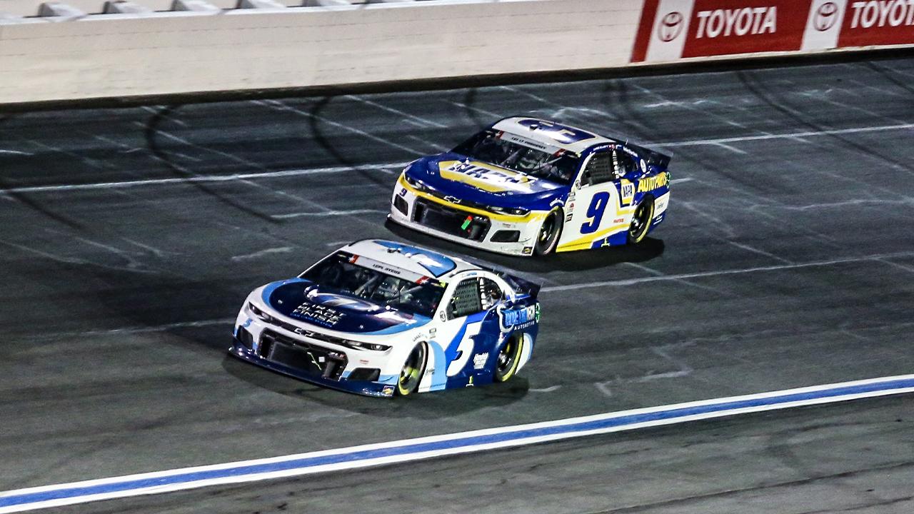 As Hendrick rules, Chase Elliott increasingly finds himself chasing teammate Kyle Larson